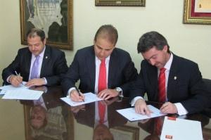 041613 Firma plan modernizacion Sax y Salinas